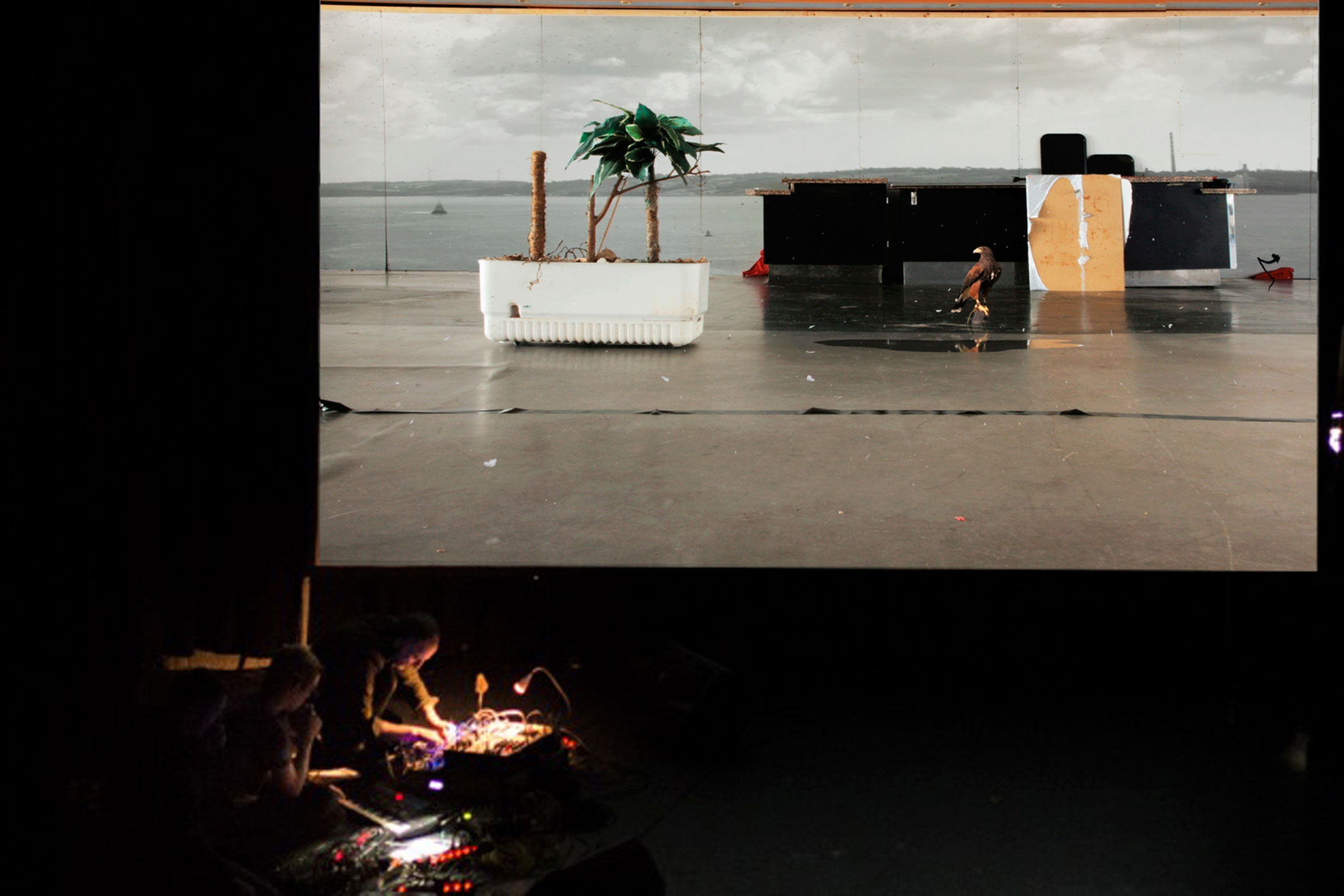 ND4J, Screening of Window with commissioned music by Morgan Daguenet, Arno Bruil and Robin Poligné. La Chapelle du Conservatoire, Rennes, 2016.